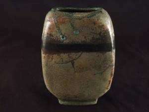 Vasen-Objekt aus Raku-Keramik